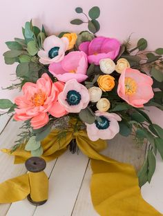 10 diy paper flowers tutorials that will add the wow to your wedding diy paper flower bouquet mightylinksfo