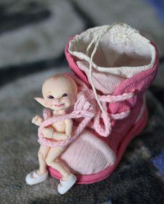 Ll' Jacob Fairy via-Flicka Cute Fairy, Baby Fairy, Clay Fairies, Polymer Clay Dolls, Fairy Art, Fairy Dolls, Magical Creatures, Ball Jointed Dolls, Beautiful Dolls