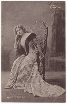 French theater actress postcard. Miss Gilda Darthy.  Early 1900's