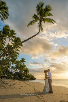 http://tomhallphotography.com.au  shangri-la fiji wedding