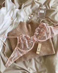 Jolie Lingerie, Pretty Lingerie, Beautiful Lingerie, Lingerie Set, Glamour Lingerie, Look Fashion, Fashion Outfits, Womens Fashion, Fashion Trends
