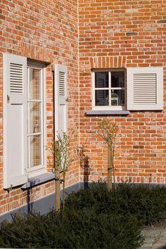 (Verschillende) luiken Balcony Lighting, Casement Windows, Shutters, Curb Appeal, Architecture Design, Brick, Garage Doors, Lights, Outdoor Decor