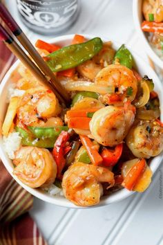 This Shrimp with Hot Garlic Sauce is delicious and healthy and can be on the table in 30 minutes! This Shrimp with Hot Garlic Sauce is AH-Mazing! A dish packed with tons of flavor and Sauce Recipes, Fish Recipes, Seafood Recipes, Asian Recipes, Cooking Recipes, Healthy Recipes, Spicy Shrimp Recipes, Simple Recipes, Recipes Dinner