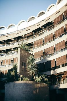 Check out the architecture at The Barbican London Guide, Barbican, The Row, Explore, Mansions, Architecture, House Styles, Building, Places