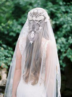 Boho bridal veil by Claire Pettibone. Shop at the link! Boho bridal veil by Claire Pettibone. Shop at the link! Bridal Veils And Headpieces, Headpiece Wedding, Wedding Veils, Wedding Garters, Wedding Hair, Bridal Gowns, Wedding Reception, Wedding Ideas, Claire Pettibone