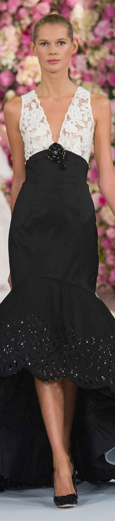 Oscar De La Renta - Spring 2015 ● He made such beautiful clothes. High Fashion, Fashion Show, Fashion Design, Black White Fashion, Designer Gowns, Dream Dress, Beautiful Outfits, Beautiful Clothes, Evening Gowns