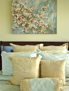 My best friend @hope has this painting. yellow-bedroom. Guest room