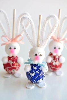 >>>Visit>> Over 33 Easter Craft Ideas for Kids to Make - These ideas are perfect for school spring or Easter parties preschool Sunday School or at home DIY crafts! Bunnies Chicks Eggs and Religious. Easter Gifts For Kids, Easy Easter Crafts, Easter Projects, Bunny Crafts, Crafts For Kids To Make, Kids Crafts, Egg Crafts, Craft Projects, Easter Crafts For Seniors