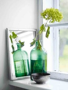 5 Cool Ideas And 25 Examples Of Using Vintage Bottles In Decor | DigsDigs
