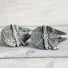 SET of 2 Star Wars Drawer Knobs Millennium Falcon in Metal - Cabinet Knobs for Star Wars Decor - Star Wars dresser Knobs and Pulls Dresser Knobs And Pulls, Drawer Knobs, Cabinet Knobs, Shabby Chic Drawer Pulls, Shabby Chic Drawers, Barn Door Handles, Star Wars Decor, Furniture Knobs, Metal Drawers
