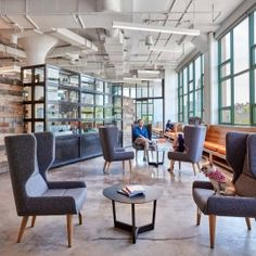 Gensler has designed the new offices of e-commerce company Etsy, located in Brooklyn, New York City. Etsy's new Brooklyn Headquarters is designed to Corporate Office Design, Corporate Interiors, Office Interiors, Corporate Offices, Visual Merchandising, Brooklyn, City Office, Workspace Design, Design Furniture