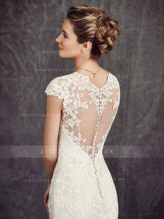 Exquisite Lace Embroiderecd Sheath Lace Wedding Dress with Crystal Detailling Ribbon _1