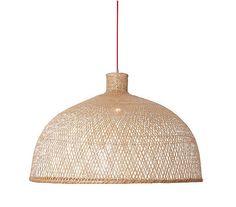 Les lampes AY ILLUMINATE... danish company qui tissent de branches, de fils et de toiles... un vrai régal!!
