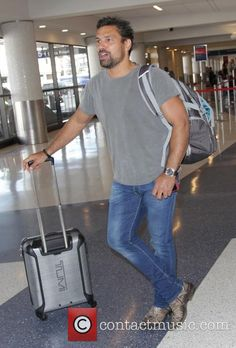 Manu Bennett at Los Angeles International Airport (LAX)