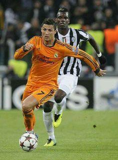 Cristiano Ronaldo & Pogba. World Best Football Player, Football Players, Arsenal Soccer, Ronaldo Real Madrid, Fifa, Cristiano Ronaldo Cr7, Us Soccer, Sports Stars, Best Player