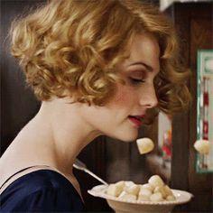 Queenie Goldstein hairstyle