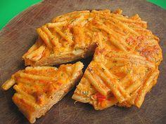 pasta frittata using leftover pasta Yummy Pasta Recipes, Bento Recipes, Great Recipes, Favorite Recipes, Good Food, Yummy Food, Fun Food, Tasty, Mini Frittata