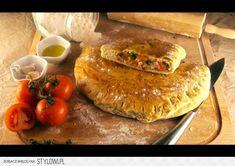 Calzone Włoski pieróg Składniki: - 650g mąki - 1 kostk… na Stylowi.pl Calzone, Sorbet, Salmon Burgers, Mozzarella, Margarita, French Toast, Pizza, Breakfast, Ethnic Recipes
