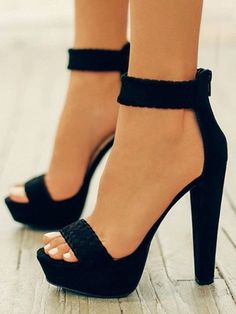 e7ac9781c33f3 Sandales bout rond trapu en daim à talons hauts noir - Sandales -  Chaussures Talons Hauts