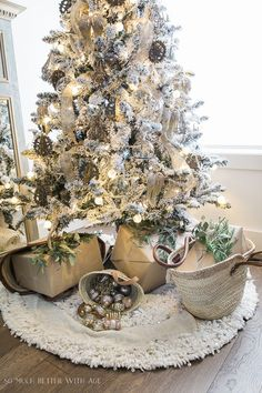 This gorgeous French country living room is all decorated for Christmas with a flocked tree decorated with vintage jeweled ornaments, fresh greenery, and white knit stockings. Come get more holiday inspiration from So Much Better with Age! Country Christmas Trees, French Country Christmas, Vintage Christmas, Elegant Christmas, Shabby Chic Christmas Decorations, Christmas Living Rooms, Decoration Originale, Christmas Inspiration, Christmas Ideas