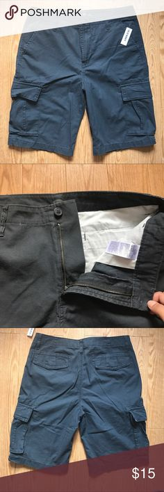 Tall Men's Gray Cargo Shorts Brand new with tags. Pockets at the hip, pockets at the sides and pockets on the back. Old Navy Shorts Cargo