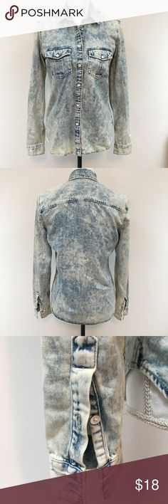Gap Acid Wash Chambray Denim Button Down Sz Sm Gap Acid Wash Chambray Denim Button Down Sz Sm GAP Tops Button Down Shirts