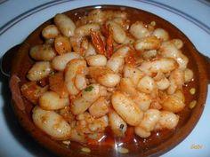 Porotos en chimichurri y pimentón dulce Chimichurri, Preserving Food, Bon Appetit, Preserves, Hummus, Tapas, Shrimp, Recipies, Food And Drink