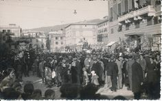 La sfilata dei carri di carnevale in via Cavour a Lavagna. Mardi Gras in Lavagna: the floats parade. (Photo: A. Baldini, 1933) #Carnevale #Liguria
