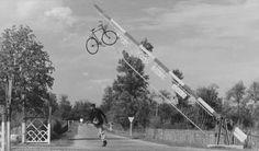 Ein interessantes Video Essay über Jacques Tati: https://www.langweiledich.net/die-verlorene-kunst-der-visuellen-comedy/