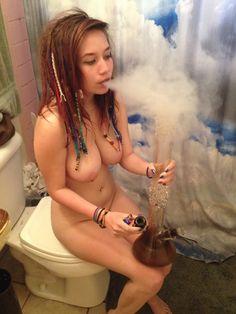 stoner gf nude amateur