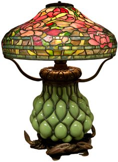 Tiffany Stained Glass Lamp - love the claws on the base! Tiffany Stained Glass, Stained Glass Lamps, Tiffany Glass, Leaded Glass, Mosaic Glass, Louis Comfort Tiffany, Art Nouveau, Antique Lamps, Vintage Lamps