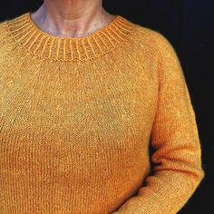 Strikkeopskriftbluse - modelEnkelStrikketiCoast og Superkid Mohair Helt enkel og anvendelig bluse Basis blusen som er svær at undvære Str. S - XXXL, halv brystvidde fra 48½ - 63½ cm 7 størrelser Ensfarvet glatstrikning Strikket nedefra og op Længde og ærmelængde kan reguleres efter eget ønske SE også strikkeopskri Men Sweater, Model, Sweaters, Fashion, Damask, Blouses, Moda, Sweater