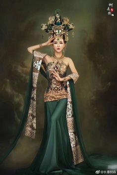 Oriental Dress, Oriental Fashion, Traditional Fashion, Traditional Dresses, Asian Woman, Asian Girl, Chinese Kimono, Ancient Beauty, Ao Dai