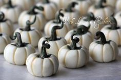 With Love & Confection: White Chocolate Pumpkins Tutorial by With Love & Confection