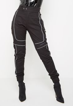 Dope Fashion, Fashion Pants, Teen Fashion, Fashion Outfits, Gothic Fashion, Dance Outfits, Cute Outfits, Cargo Pants Women, Fashionable Snow Boots