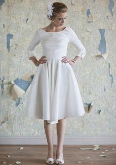 tea-length wedding dress.