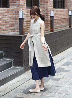 한복을 모티브로 한 캐주얼 브랜드 LEESLE 리슬 Korean Fashion Dress, Korea Fashion, Asian Fashion, Modest Fashion, Girl Fashion, Fashion Outfits, Womens Fashion, Fashion Design, Funky Outfits