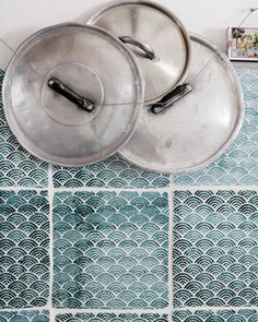 Under the care of made a mano, the humble ceramic tile has become bona fide art. Combining ancient handicraft with modern techniques, made a mano reveals a sure sense of style.  All their tilesare worked, glazed and decorated entirely by hand while the terracotta and lavastone they work with is sourced from the oldest active volcano in the world – Sicily's Mount Etna.