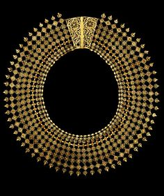 Filigree Necklace, gold wire with stamped florets and applied flat discs and hemispheres, Calicut, India, ca 1850
