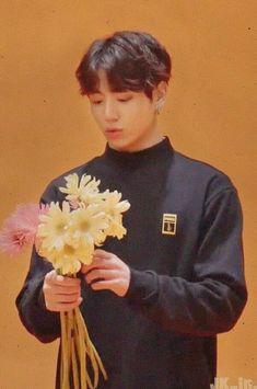 55 trendy flowers aesthetic bts 55 trendy f Orange Aesthetic, Flower Aesthetic, Summer Aesthetic, Jungkook Aesthetic, Kpop Aesthetic, Aesthetic Space, Foto Bts, Bts Photo, Bts Jungkook