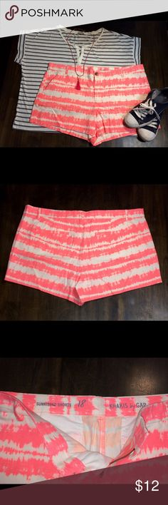 "GAP Khaki Sunkissed Shorts Gap Khaki Sunkissed Shorts size 18. Coral horizontal tie dye bands. Back slit pockets. 100% cotton. 3 1/2"" inseam. New with out tags, red line through brand name inside waistband for no returns. Accessories and shirt not included. GAP Shorts"