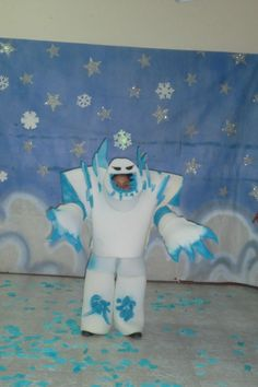 Awesome Marshmallow Frozen costume. (Made in México)