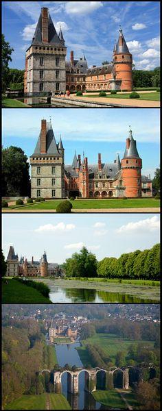 Le château de Maintenon , un lieu intime , à taille humaine plein de charme et de boiseries .