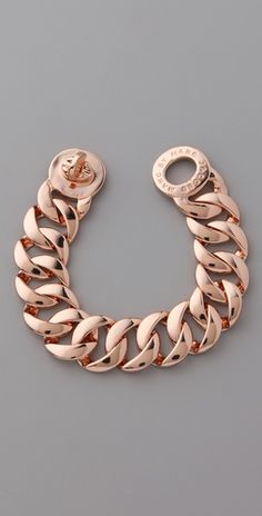 Marc by Marc Jacobs Classic Marc Turnlock Katie Bracelet To match my new watch, loving me some rose gold! Rose Gold Chain, Rose Gold Jewelry, Gold Chains, Jewelry Box, Jewelry Accessories, Fashion Accessories, Fashion Jewelry, Jewlery, Nail Fashion