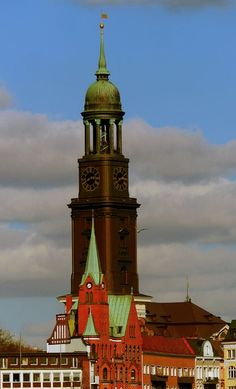 Schwedische Kirche u. der Michel - Peter Norden Hamburg Germany, Kirchen, Towers, Empire State Building, Around The Worlds, Clock, Street, Pictures, Abstract Pictures