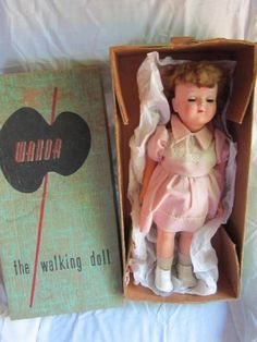 VINTAGE 1950'S WANDA THE WALKING DOLL ADVANCE CO WORKS WITH KEY & BOX