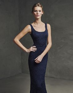 Style and elegance in the new cocktail and special celebration dress collection by Pronovias Cocktail. Captivating cocktail dresses which are versatile, comfortable and sophisticated, with fresh shapes, colours and two-piece effects. Girls Evening Dresses, Mermaid Evening Dresses, Evening Outfits, Evening Gowns, Evening Party, Pronovias, Ceremony Dresses, Mothers Dresses, Stylish Dresses