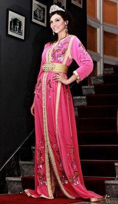 pink caftan Moroccan Caftan, Sari, Pink, Fashion, Caftan Marocain, Saree, Moda, Fashion Styles, Pink Hair