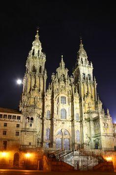 Basilica de Santiago de Compostela, (a pilgrimage site, 3rd holiest place for Catholics), Santiago de Compostela, Spain