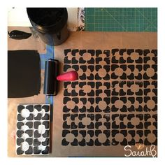 """90 mentions J'aime, 1 commentaires - Sarah B. - GraphicDesignStudio (@sarahbertochi) sur Instagram: """"Testing a new design for my next block printing workshop (link in profile) #sarahb #blockprinted…"""""""